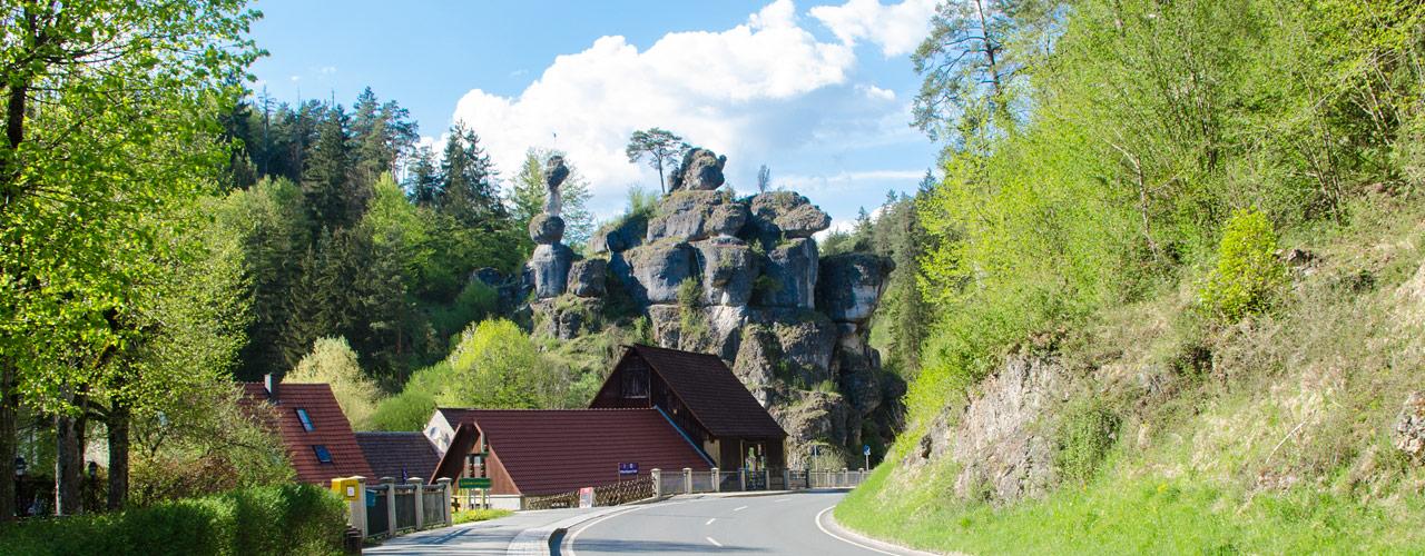 Die Ortseinfahrt nach Pottenstein - einfach wunderschön ..